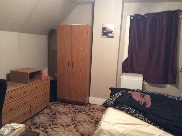 Room For Rent Immediately Near Carleton University 460 Utilities