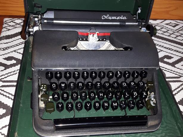 Vintage antique 60s Olympia typewriter