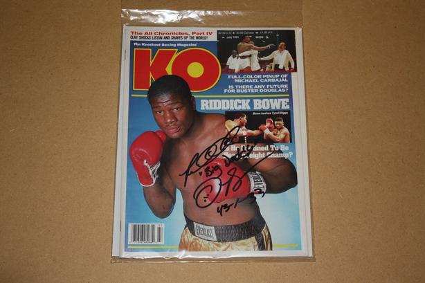 Riddick Bowe signed boxing magazine