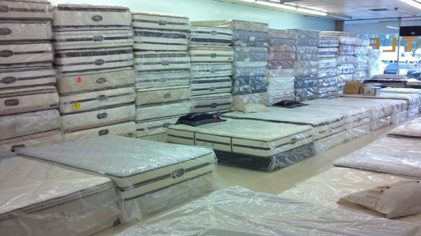 CRAZY SELECTIONS OF USED MATTRESSES THE BIG IN VANCOUVER AREA ALL SIZE