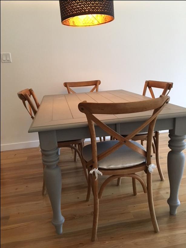 Harvest style Dining Room Table & Chairs