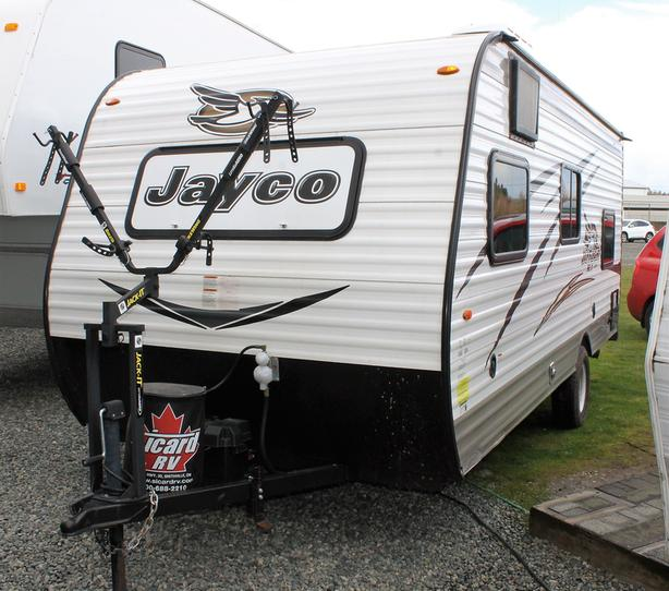 2017 Jayco JayFlight SLX 174BH Trailer w/Bunks