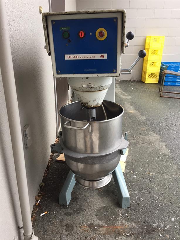 Bear Varimixer 30 Qt 220V mixer