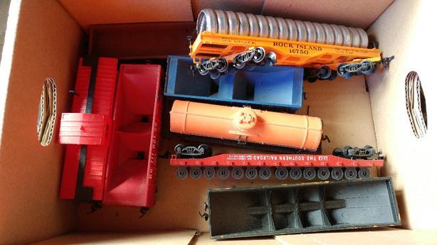 HO gauge trains