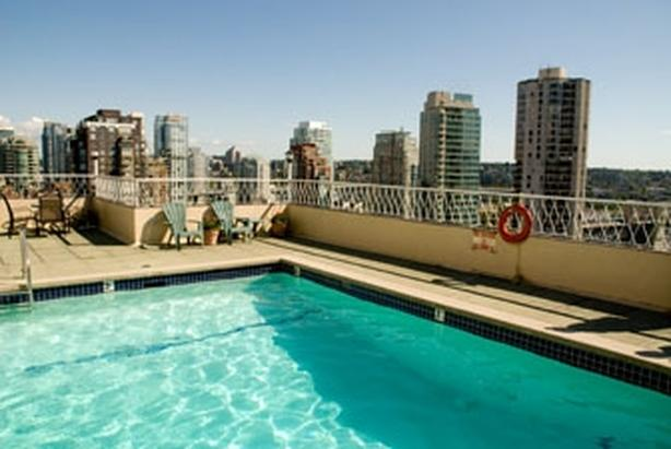 Weekly Rental: Furnished Condo in Vancouver's West End with Rooftop Pool #413w