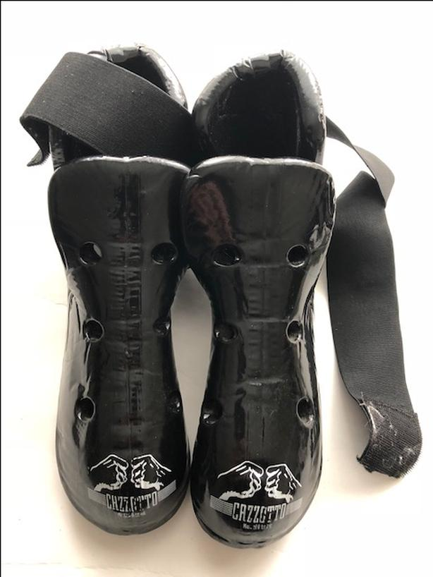 Martial arts sparring gear - semi contact boots - size medium - Taekwondo