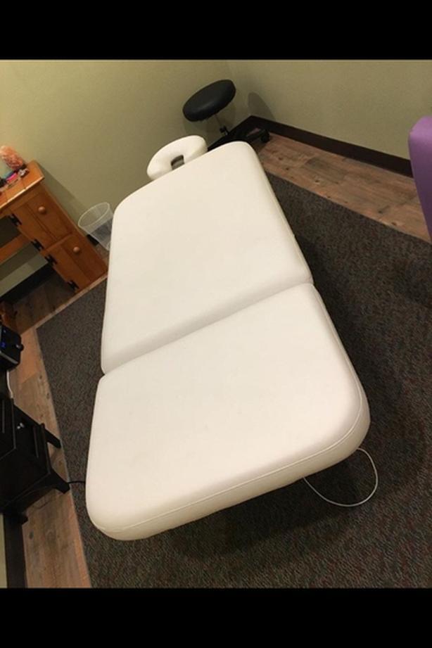 Electric Massage / Esthetics Table