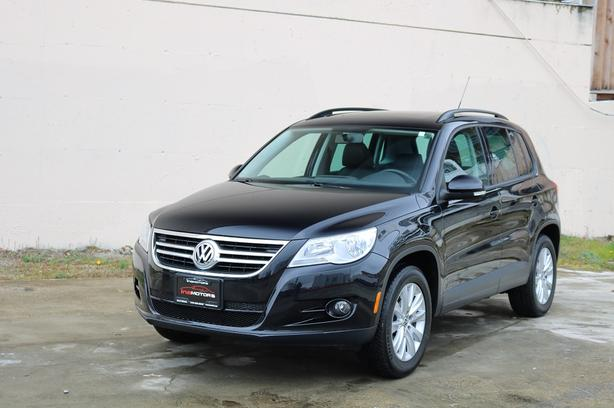 2011 Volkswagen Tiguan 2.0T 4motion - LOCAL BC VEHICLE!
