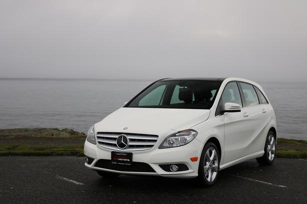 2014 Mercedes-Benz B250 - ON SALE! - FULLY LOADED LEATHER!