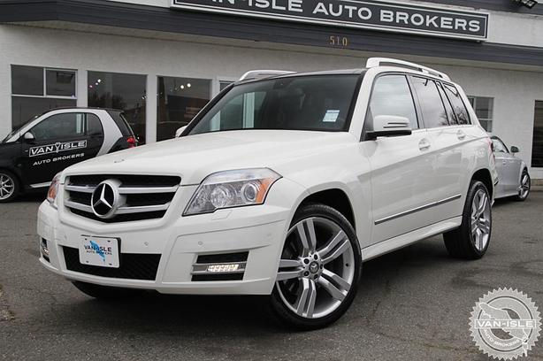 2011 Mercedes-Benz GLK350 - Navigation, Back-UP Camera, Dual Sunroof's
