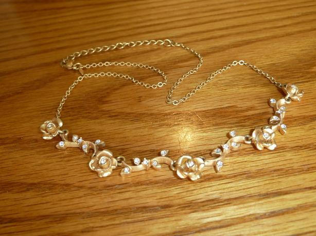 rose necklace goldtone with crystals 18 inches New