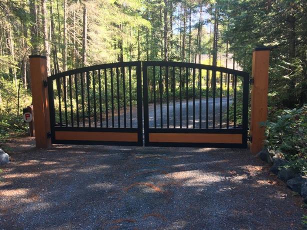 "Aluminum Driveway Gates -""Westcoast Custom Gates Ltd"""