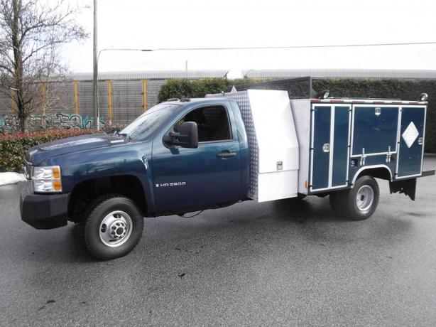 2007 Chevrolet Silverado 3500HD Diesel Dually 4WD Service Box