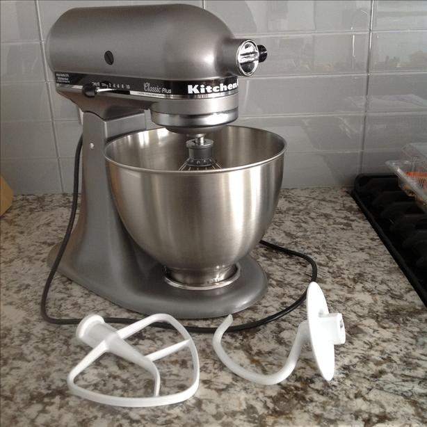00c13bb21a1  Log In needed  200 · KitchenAid Classic Plus 4.5 Quart Tilt-Head Stand  Mixer (275 Watt