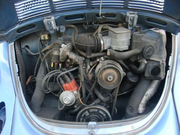 WANTED: WANTED: (vw superbeetle parts )