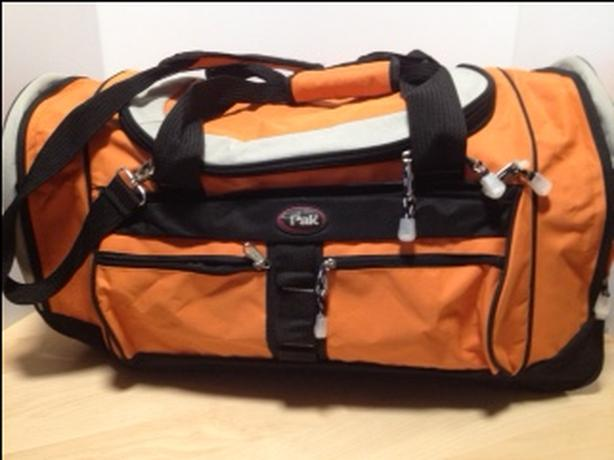 CALPAK LARGE DUFFEL BAG -LIKE NEW