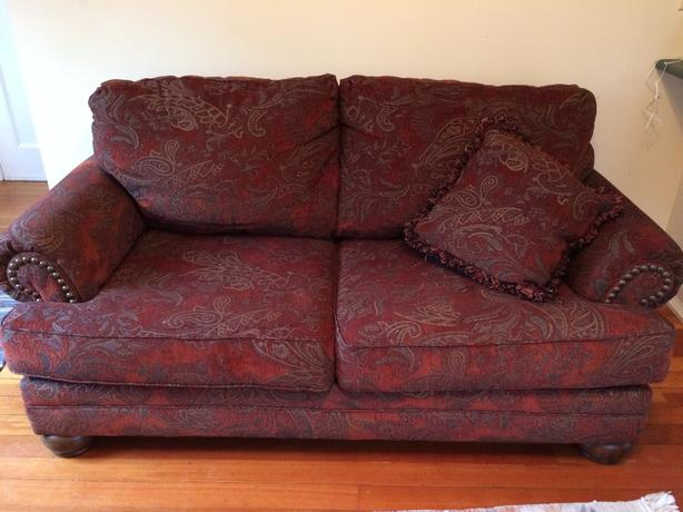 red paisley couch victoria city  victoria