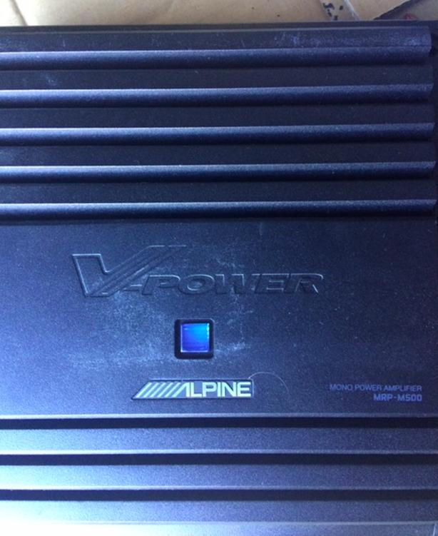 Alpine Mono amplifier — 500 watts RMS x 1 at 2 ohms