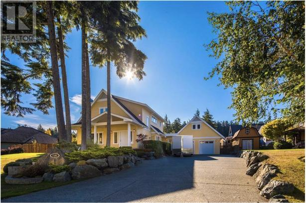 Vancouver Island - The Perfect Home in the Warmest Climate in Canada
