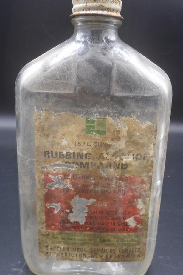 VINTAGE 1968's EASTERN DRUG SERVICES RUBBING ALCOHOL BOTTLE