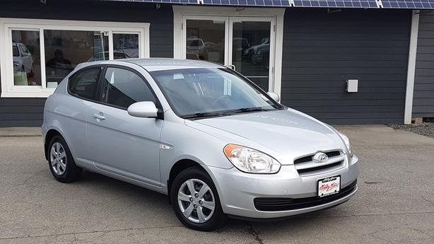 ** 2008 Hyundai Accent - 105Kms. - Auto ** NEW TIMING BELT **
