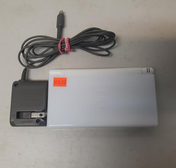 White Nintendo DS Lite Console
