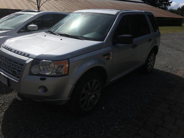 $10,200 · Land Rover LR2 2008 138,000km