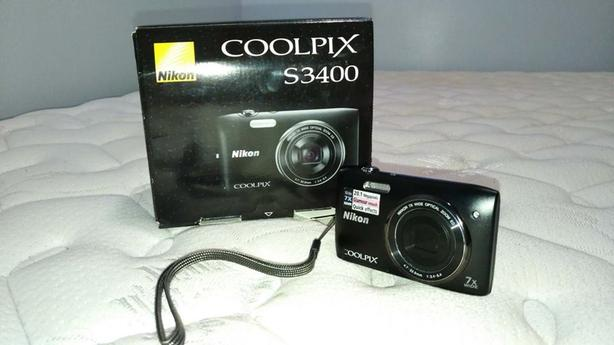 Nikon Cooplix S3400 (20.1 megapixels / 7x WIDE) - $75 (Bathurst and College)