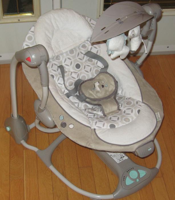 BABY SEAT/SWING