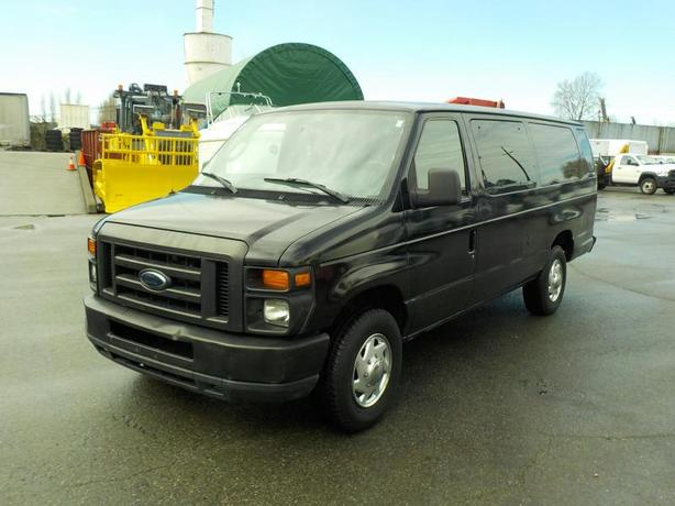 2011 Ford Econoline E-350 XL Super Duty 15 Passenger Van Extended