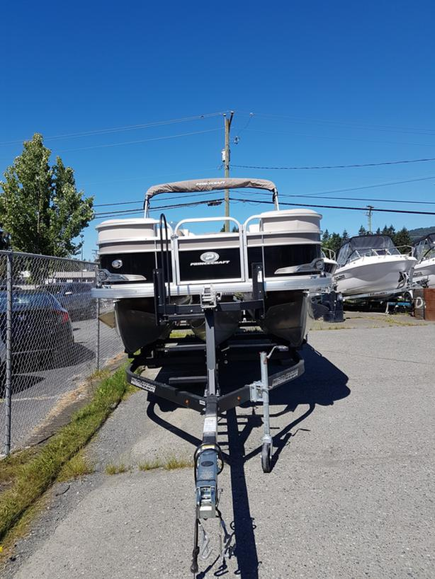 2018 Princecraft Vectra 21 Tri Pontoon