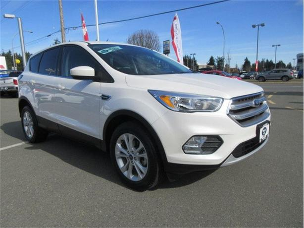 2017 Ford Escape SE Low Kilometers Warranty