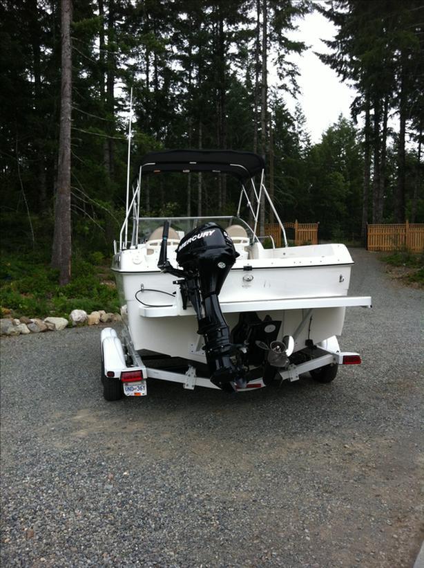Campion Explorer 552i Sport Cabin Boat 2008