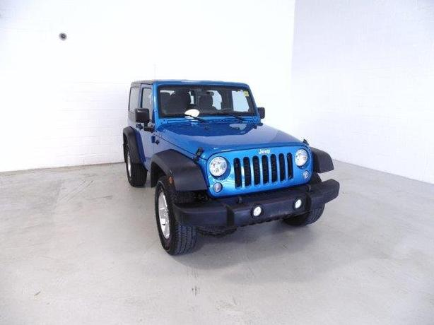 2014 Jeep Wrangler Sport 4X4 Hard and Soft Top.