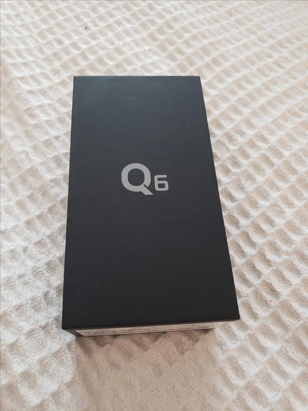 *BRAND NEW SEALED IN BOX* PLATINUM LG Q6