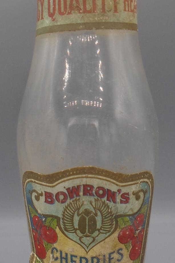 VINTAGE 1930s BOWRON'S CHERRIES SYRUP 7 1/4 OZ. PAPER LABEL JAR