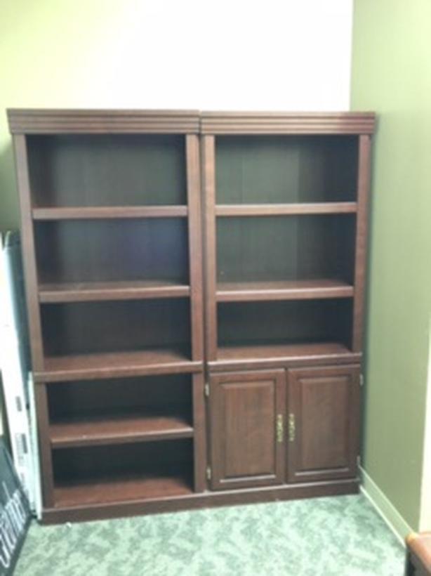 Free book shelves (2pcs). Adjustable shelves