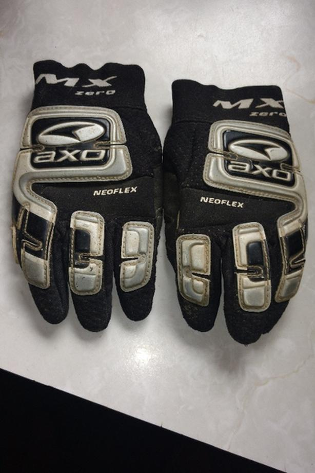 kids axo mx0 gloves