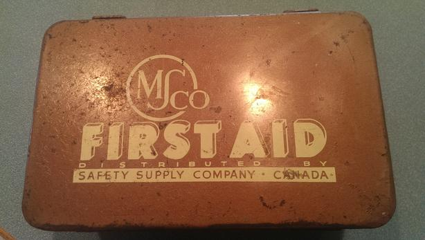 Antique First Aid Kit (With Original Items) West Shore