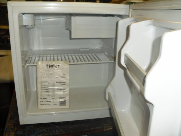 near new 2 cu. ft. bar fridge. looks and works great.