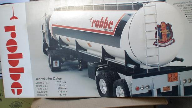 Robbe Tanker trailer, with Kenworth Tractor remote control
