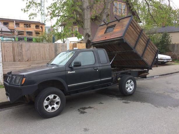 Custom '98 Nissan Frontier 4X4 Dumptruck