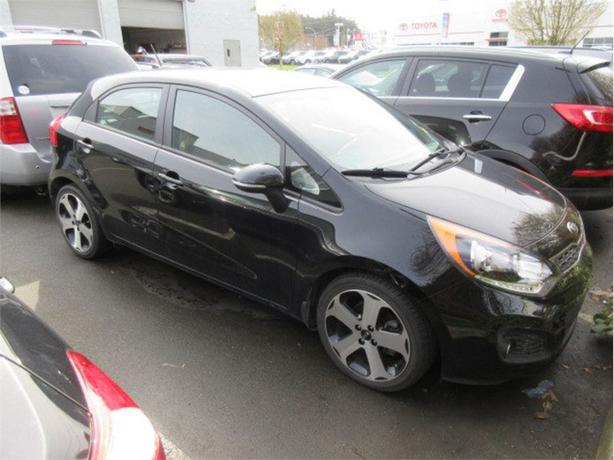 2014 Kia Rio5 SX Low Kilometers Navigation