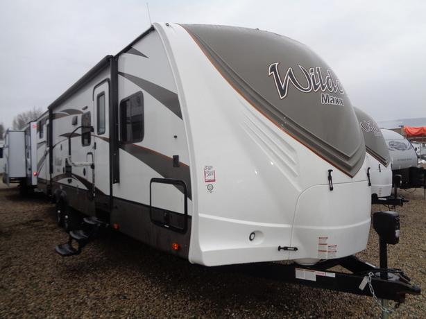 2016 Wildcat Maxx 32BHXS Family Bunk Model