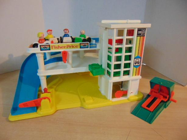 Garage Fisher Price : Fisher price little people vintage play family garage complete