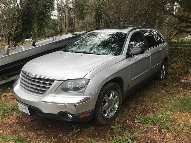 2004 Chrysler Pacifica AWD crossover SUV