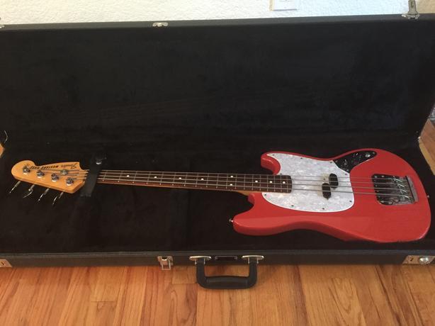 Fender Mustang Bass CIJ 2000
