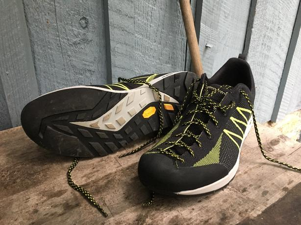 Scarpa Iguana approach shoes mens 11.5