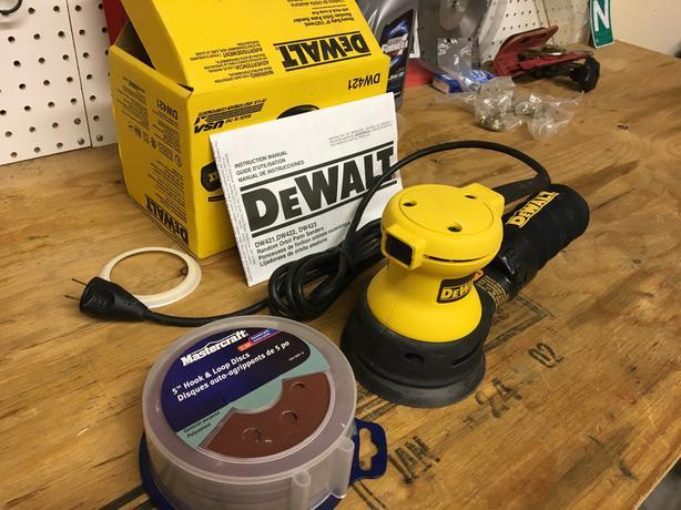 "Dewalt DW421 5"" Random Orbit Palm Sander"