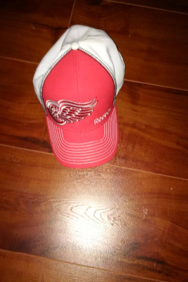 detroit red wings hat- new